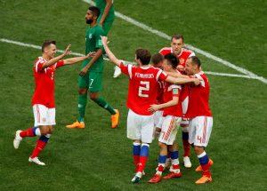 Rusia berhasil membantai lawannya dengan sangat telak. Rusia Meraih 5 gol atas Arab Saudi di laga pembukaan piala dunia 2018.