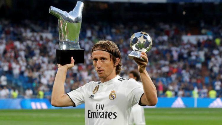 Luka Modric Curhat Soal  Kinerja Real Madrid Pada Musim Ini di Twitter