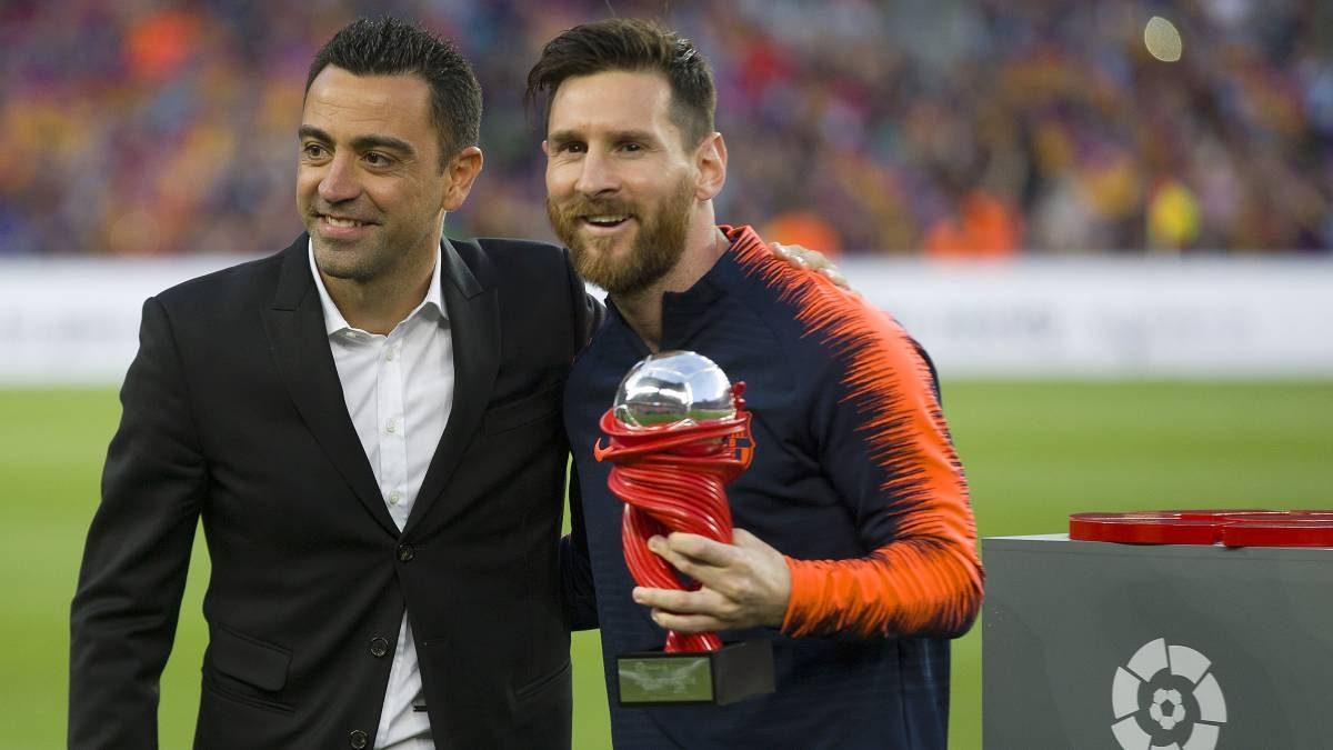 Xavi Optimis Messi Takkan Tinggalkan Barcelona